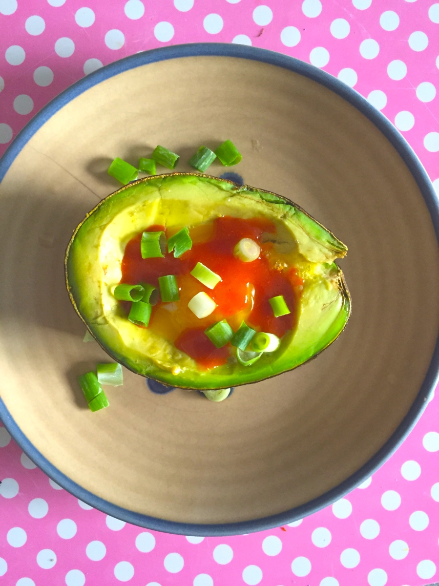 baked egg in avo